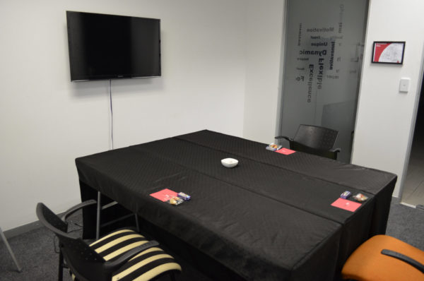 Comet Room - The Perfect Corporate Meeting Room| Focus Rooms