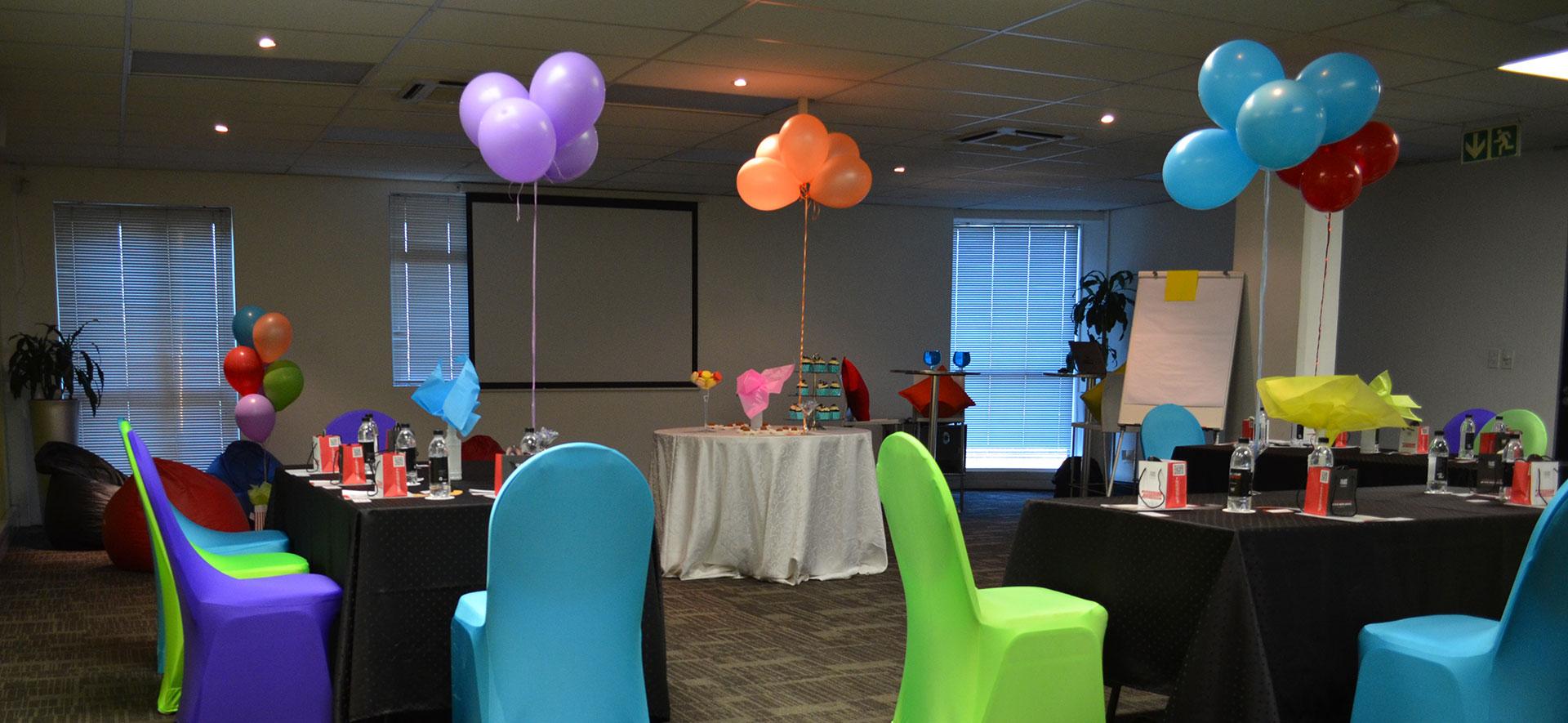 Neptune Room - Fun Breakfast Meetings & Cocktail Events   Focus Rooms