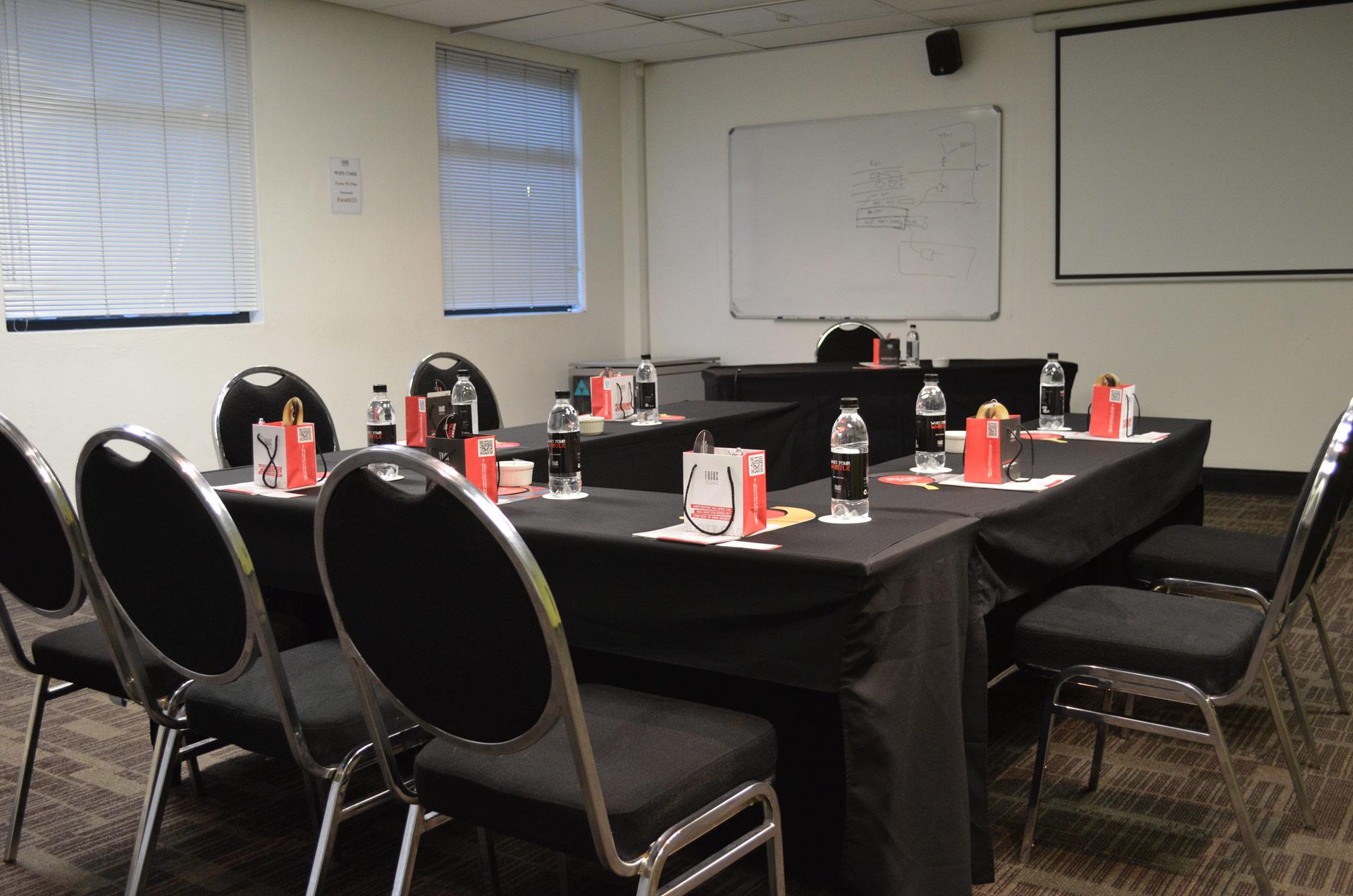 Mars - U-Shape Setup   Focus Rooms Meeting Venue